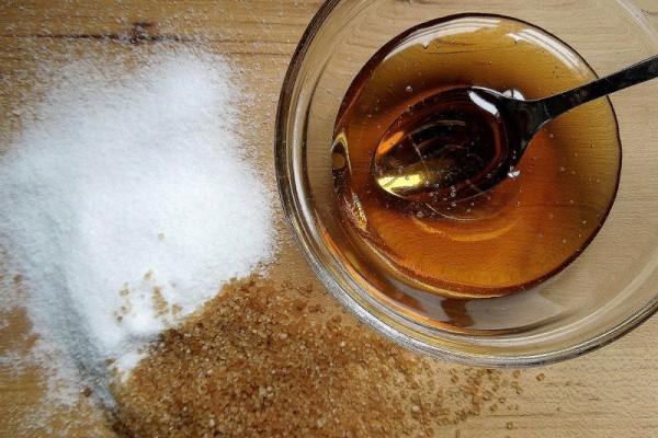 ¿Es la miel una alternativa más saludable que el azúcar?