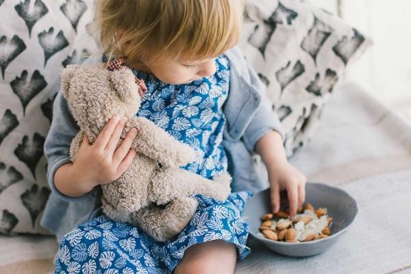 Frutos secos y niños pequeños